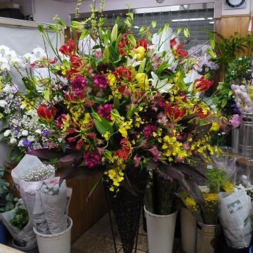 スタンド花もお届け…
